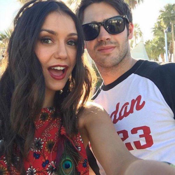 Nina Dobrev retrouve Steven R. McQueen à Coachella !