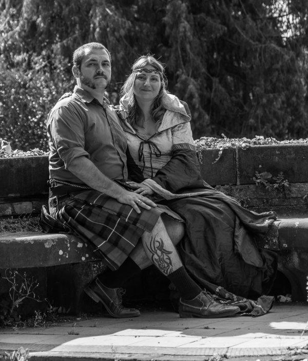 Aujourd'hui cela fait 10 ans de mariage pour cette occasion on à remi nos tenu