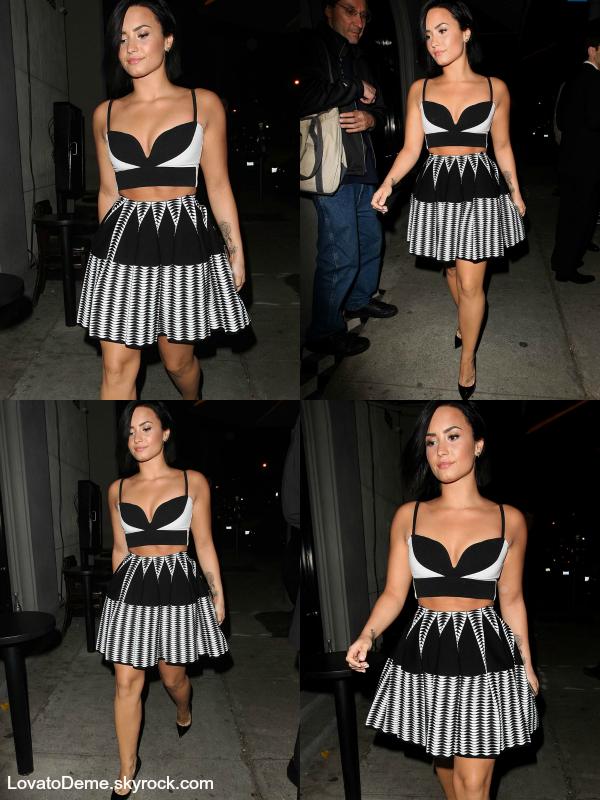 . Candids||Demi a été vue quittant un restaurant de Los Angeles le 09/07. .