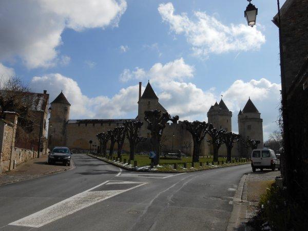 La Briarde, à Brie-Comte-Robert (avril 2013), par Claude