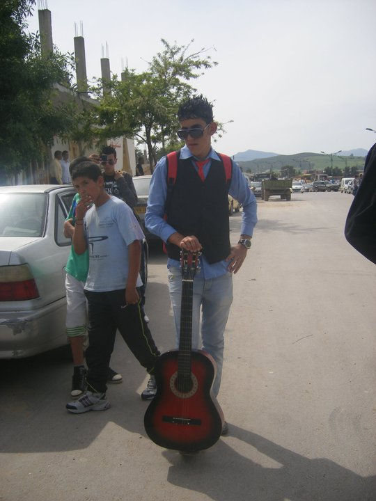 Tjrs avec ma coupine (ma guitare)