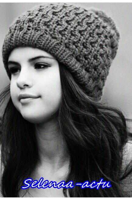 Photoshoot de Selly avec ses fans + 2 photos d'elle