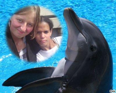 rosette et mookiie avec un dauphin