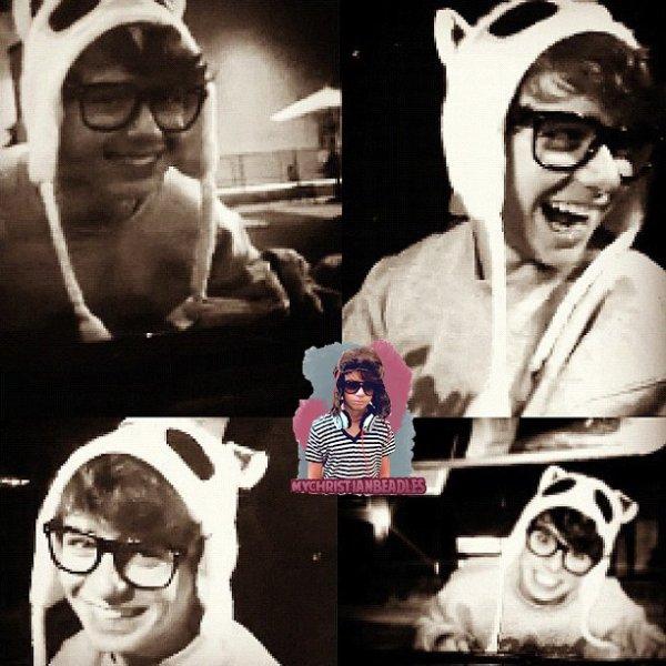 .  ♥ Nouvelles photos de Chris ! ;D