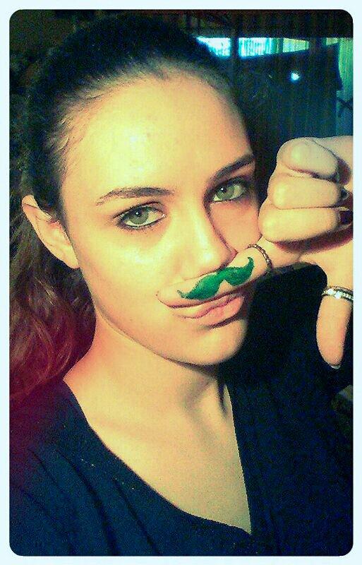 moustachaaa :3