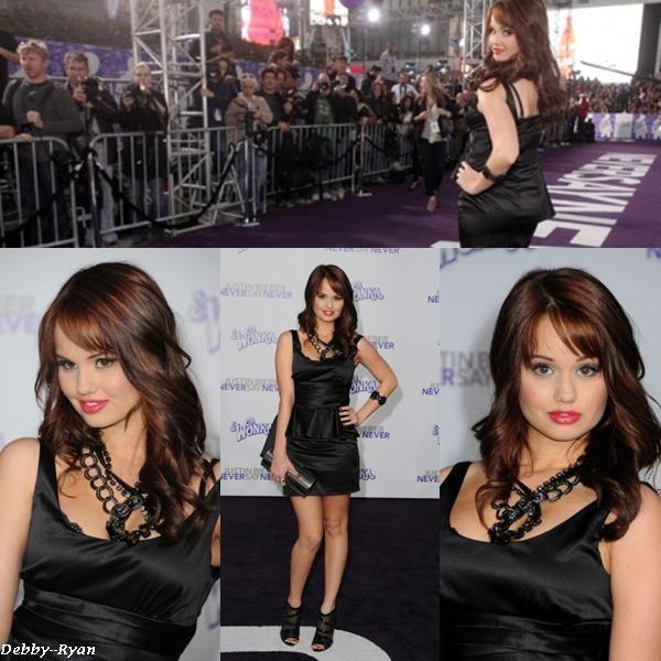 """8/02: Debby Ryan à été vue a l'avant première du film de Justin Bieber """"Never Say Never"""" à L.A"""
