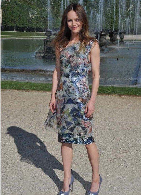 PHOTOS - Vanessa Paradis, Maiwenn, Astrid Berges-Frisbey : jolies plantes à Versailles !