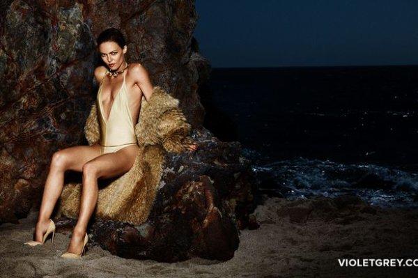Vanessa Paradis pour Violet Grey