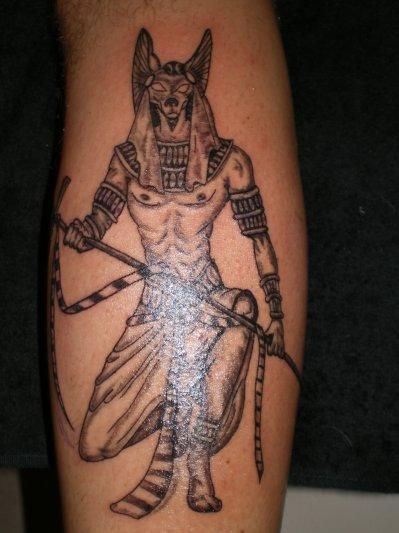 Sur Le Mollet Tattoo Tatouage Et Piercing Le Body Art Est