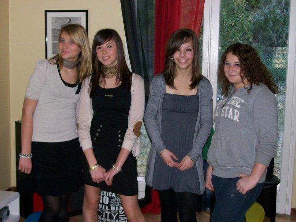 Mathilde , Blandine , Loïs ♥