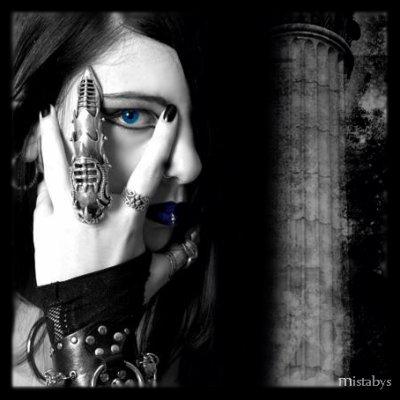 gothic eye...