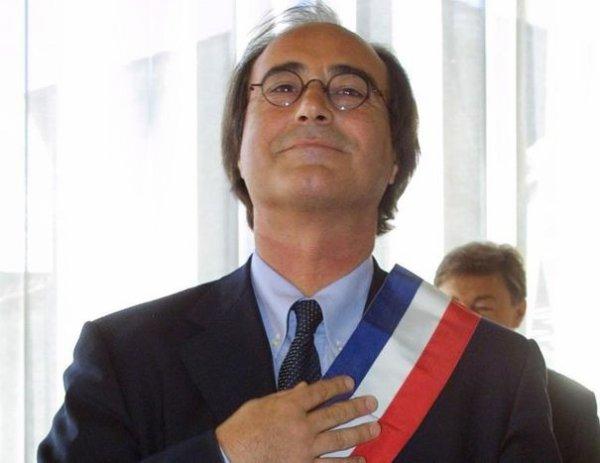 Le maire UMP de Sète, sanctionné pour homophobie, fait appel de la décision !