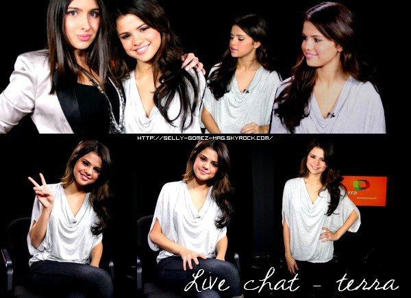 Selena ne lache plus la radio Z100 , Interview, concert , lounge pour notre plus grand plaisir ainsi que des photos de son arrivee a l'aeroport