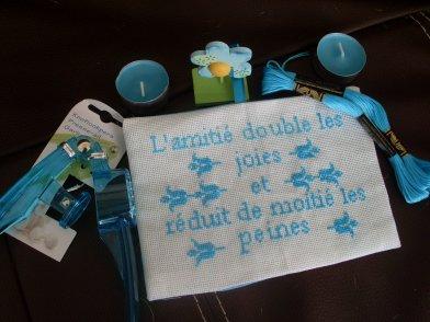 Voilà ce que j'ai reçu par mheumheucréation pour notre échange turquoise organisé sur son blog! Merci beaucoup tu m'as bien gâtée!