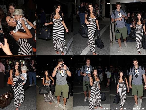 . 27.04.11 Kim à l'aéroport de LAX .