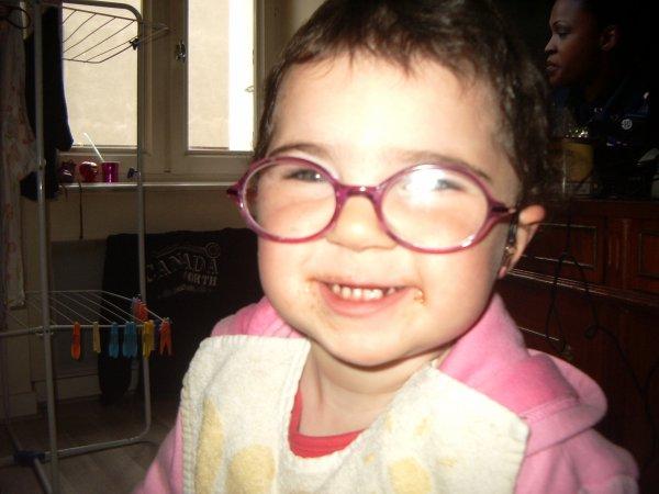 ma fille avec ses lunette