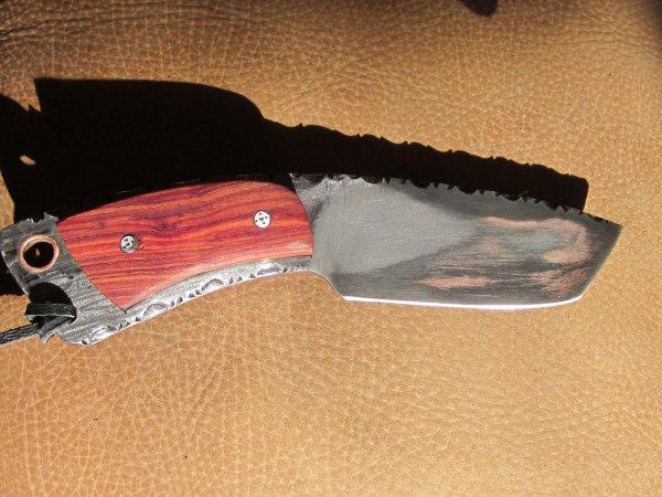 Petit couteau forg acier blog de dvjeshda04 - Le petit couteau santoku ...
