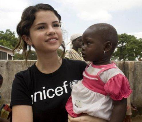 Selena gomez jeune ambassadrice de l'unicef