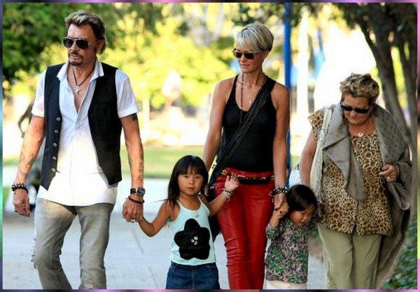 Johnny Hallyday son épouse Laeticia, sa mère Elyette Boudou et leurs enfants Jade et Joy