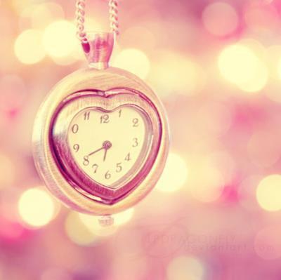 L'amour naît de rien et meurt de tout ; on s'aime sans raison, on s'oubli sans motif
