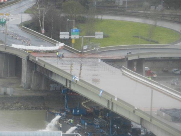 en attendant le demontage du pont