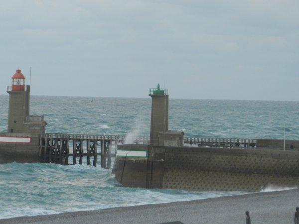 fecamp je suis restee a regarder la mer