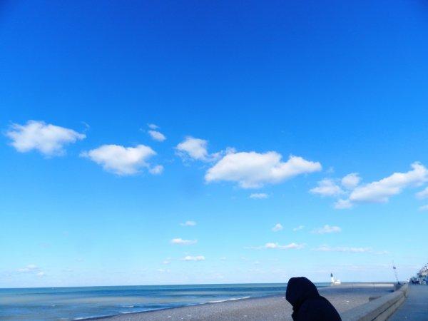 beau ciel bleu mais grand froid surtout avec le vent