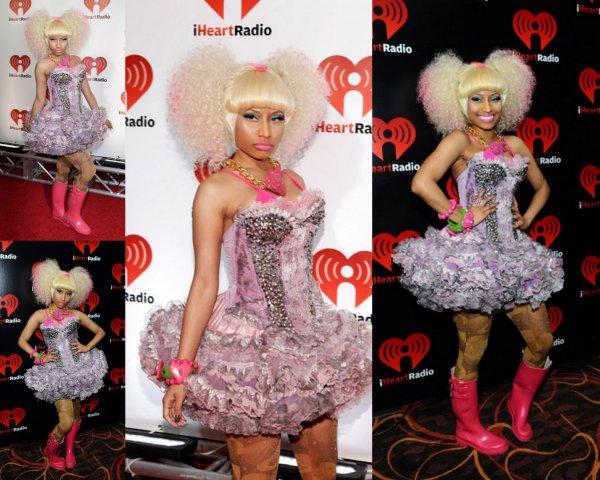 De retour avec cette article: Nicki Minaj vu a la fête de la musique ihearts radio