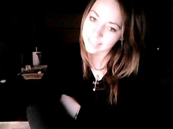 - - La vie est un conte de fée qui perd ses pouvoirs magiques lorsqu'on grandi - - Heii oui c'est vraii - -