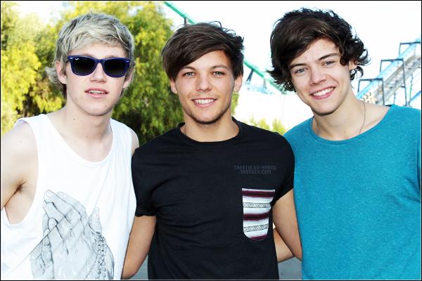 15.06.12 - Harry, Niall et Louis au Six Plags Magic Mountain.  Ils avaient l'air tous les trois heureux d'être là et avaient aussi l'air de s'être bien amusés.