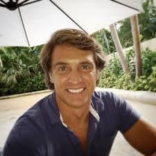 rogelio  fête aujourd'hui ses 49 ans demain, pense à lui offrir un cadeau.Hier à 20:03