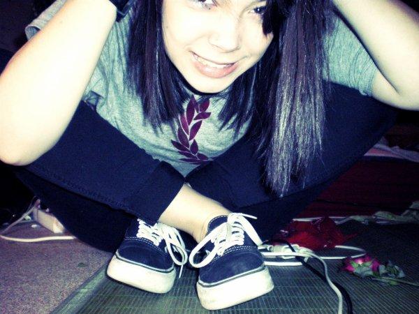 Et se perdre comme toujours, te donner mon amour, et rêver de te retrouver un jour... BANG BANG . You're dead .