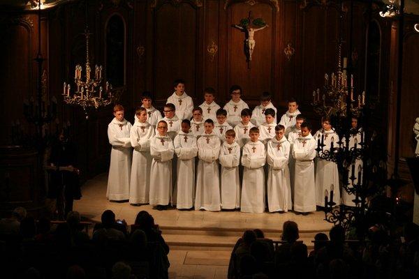 Les Petits Chanteurs à La Croix de Bois à Coupvray en l'église Saint Pierre