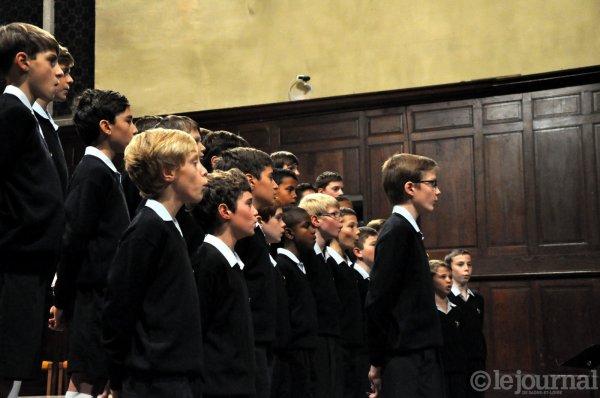 LOUHANS- Les Petits Chanteurs à la Croix de Bois en images      3/3