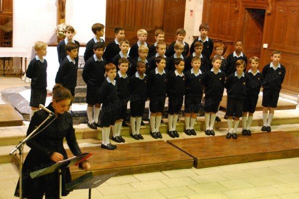 Les Petits Chanteurs à la Croix de Bois acclamés. Dieue sur Meuse le 22/11/2013