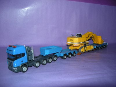 1/87 - Tracteur lourd Scania R580 Topline 10/4 ( 5 essieux ) Herpa+ sr 3+5 Herpa + pelle Liebherr 974 (Kibri)