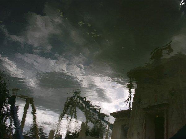 Parc Astérix, dans l'eau de la nouvelle attraction Oziris.