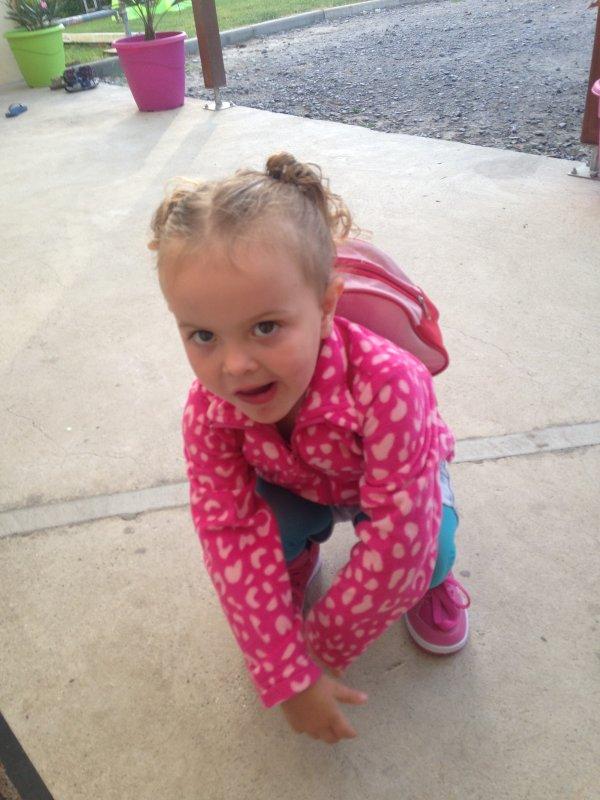 Mon bébé qui fais sa rentrée à l'école