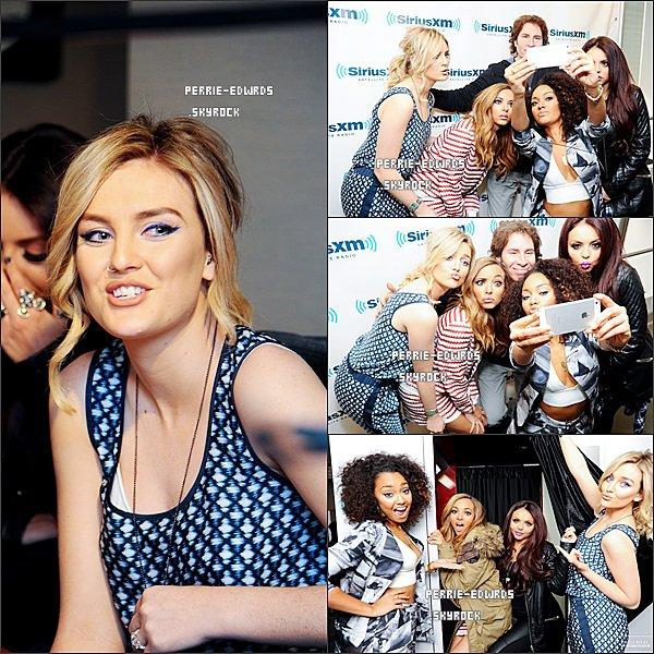 06/02/14 : Les filles visitant les studios de « SiriusXM » à New York.