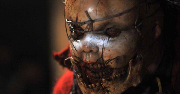 Méfiance avec les poupées car dans la nuit d'Halloween elles reprendront vie....