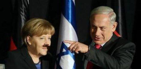 Israël: Merkel avec une moustache à la Hitler