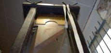 Une guillotine des armées aux enchères