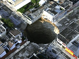 """Les """"sinkholes"""" : les trous de l'horreur"""