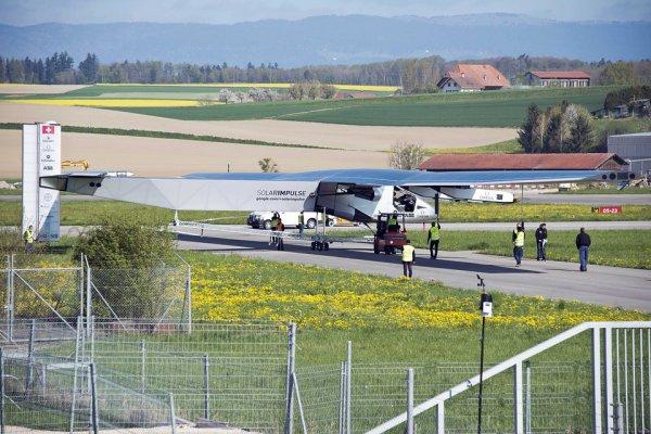 Solar Impulse 2 se met à l'épreuve du soleil