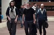 Les quatre journalistes détenus pendant environ dix mois en Syrie ont été retrouvés ligotés et les yeux bandés à la frontière turque par des soldats.