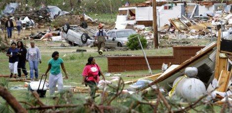 Etats-Unis: Le bilan des tornades s'alourdit