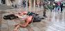 Genève: Couverts de sang en plein centre-ville