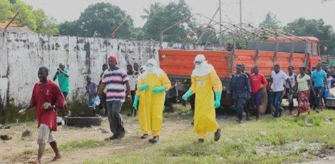 Le monde est en train de «perdre» contre Ebola