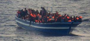 «Quand les enfants mouraient, leurs parents les laissaient juste glisser dans l'eau...», témoigne un naufragé