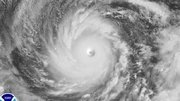 Le super typhon Vongfong se dirige sur le Japon